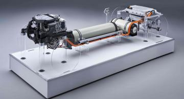 BMW surprises with fuel cell concept