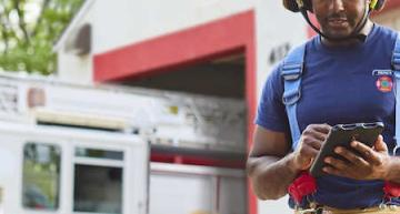 World's first 700MHz 3GPP network for public safety