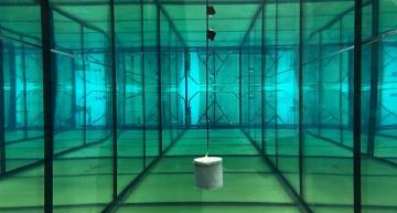 Underwater communication system uses battery-free sensors