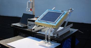 Solar-driven system extracts drinkable water from 'dry' air