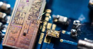 9GHz squeezed light detector boosts quantum photonics