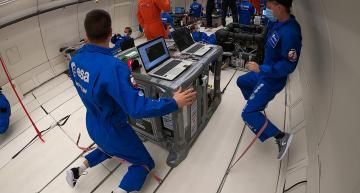 Additive 3D printing process for zero-gravity manufacturing