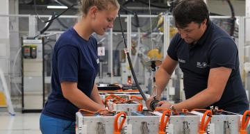 The BMW Competence Centre for E-Drive Production in Dingolfing will expand from 8,000 to 80,000 square metres and more than doubling the staff