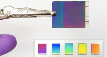 Reflective display gains more vibrant colors