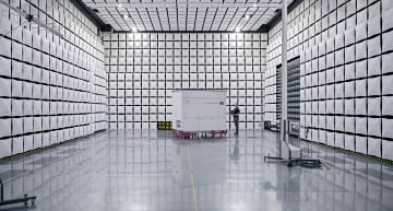 Photovoltaïque : SMA inaugure son nouveau centre d'essais CEM