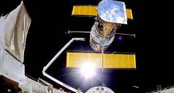 Memory module halts Hubble