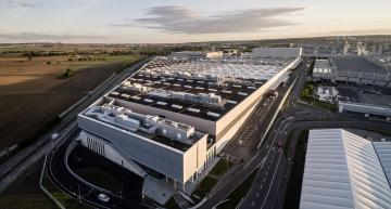 5GW solar array with re-used batteries powers Mercedes plant