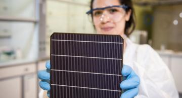 Oxford PV preps tandem perovskite solar cell production