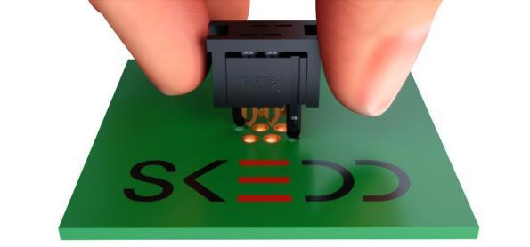 Connexion directe sur le circuit imprimé : les nouvelles connexions à fiche REDFIT IDC avec technologie SKEDD