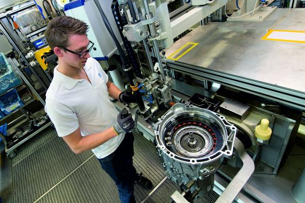 Automatic transmission builds bridge to electromobility for BMW