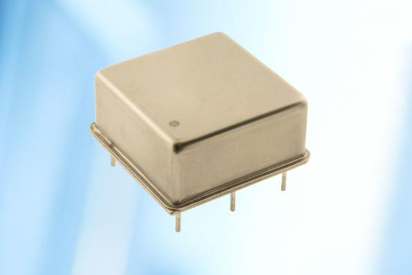 High performance oscillator with extremely low phase noise