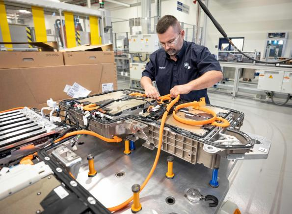 BMW secures long-term battery cells supply