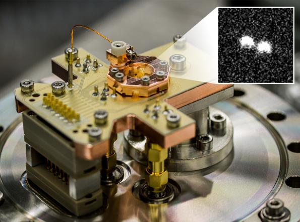 Microwave pulses help reducing error rate in quantum computers