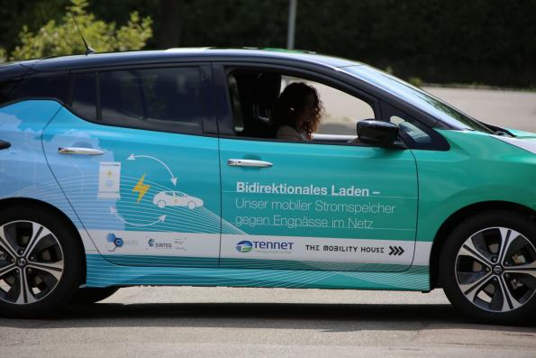 E-cars store excess wind energy, save CO2