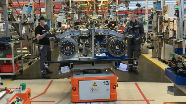 Step by step, the automotive industry restarts production