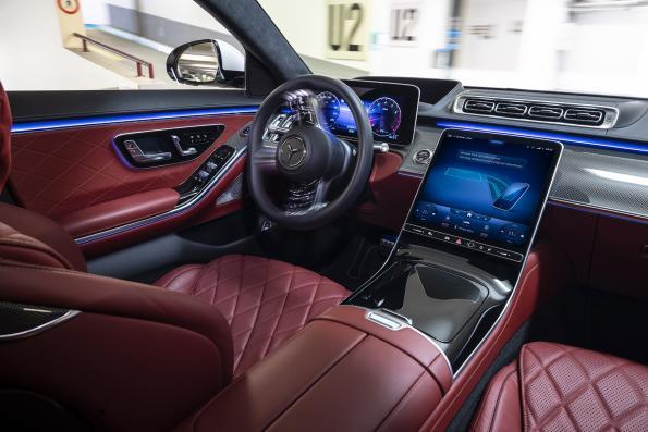 Bosch, Daimler introduce valet parking via smartphone app