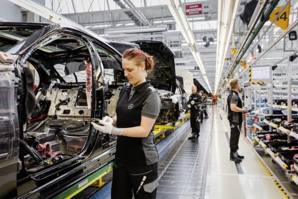 Chip shortage forces German carmakers to cut production