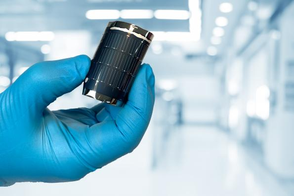 Swiss scientists set new efficiency record for flexible solar cells
