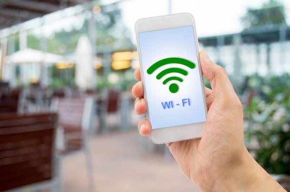 Wi-Fi 6E access points for 6 GHz WLAN
