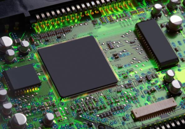 Low-power FPGAs support automotive temperature range