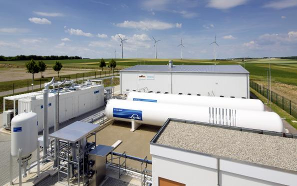 Energy storage system on hydrogen basis goes commercial