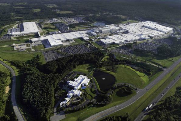 Daimler invests $1 billion in the expansion of electromobility in the USA