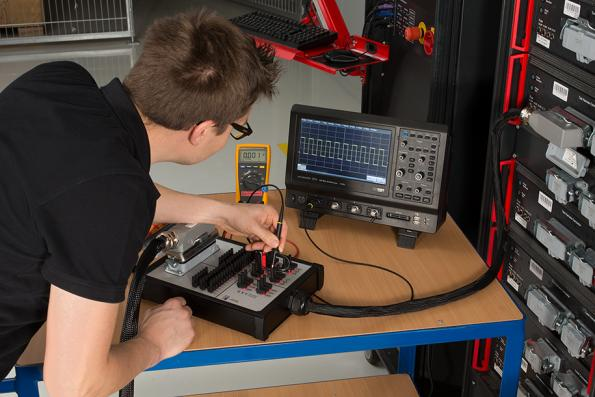 Test bench concept cuts changeover time