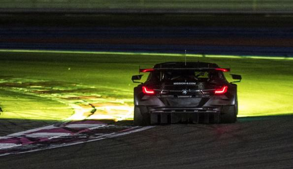 BMW relies on biologically effective light for the Le Mans racing classic