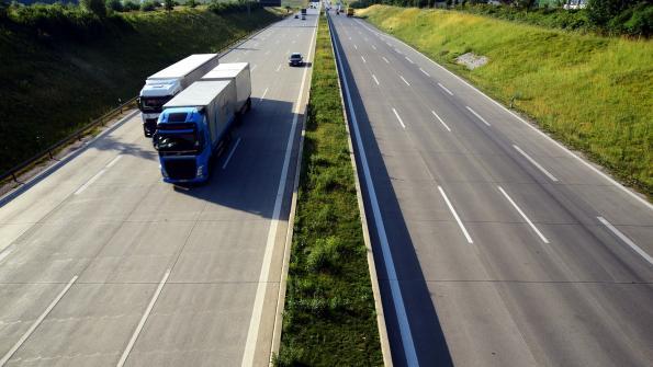 Forwarding companies want the driverless truck, study says