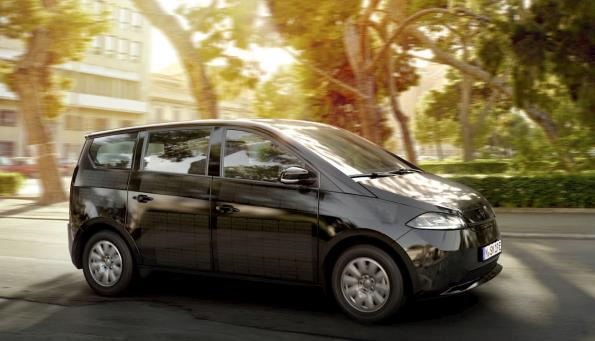 Solar cell electric car: Final design introduced