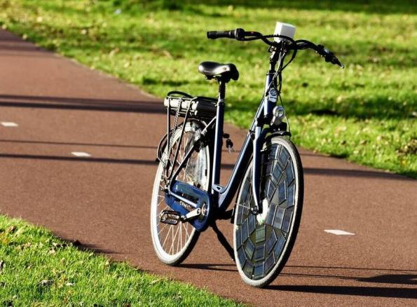 Modular and mobile photovoltaics: on wheels