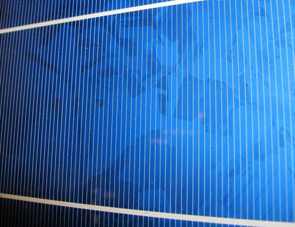 Researchers achieve highest certified efficiency of organic solar cells to date