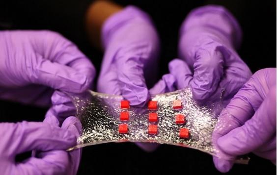 Smart 'Band-Aid' senses skin temp, dispenses medicine
