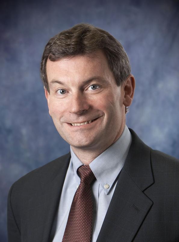 Gregory L. Waters, Président et CEO d'Integrated Device Technology, Inc.
