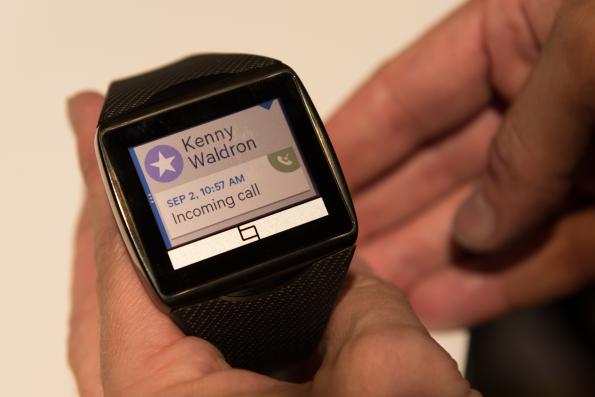 How MEMS-based displays enable always-on wearables