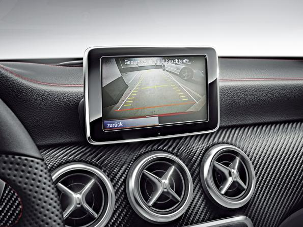 MOST and AVB: Two Candidates for Next-Gen Automotive Infotainment Networks