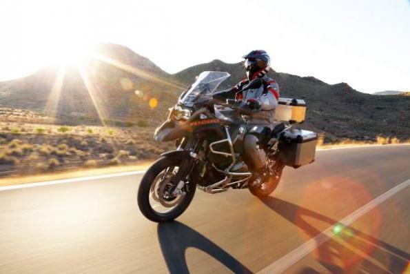 BMW, Alpinestars bring airbag to motorbikes