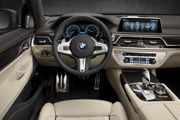 New BMW flagship model: A mini step closer to automated driving