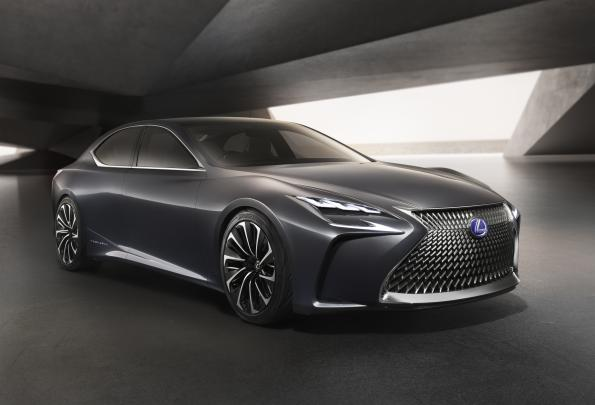 Toyota takes pole position in fuel cell cars