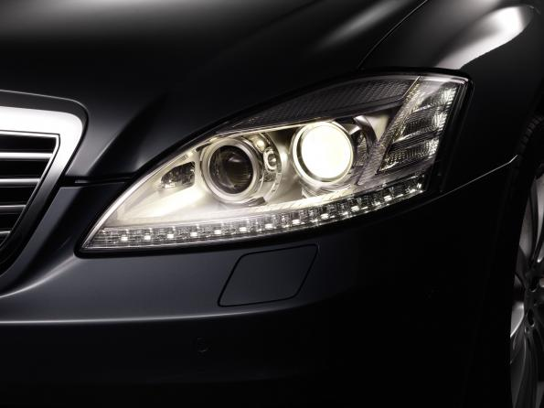 Automobile lighting: in the face of things to come