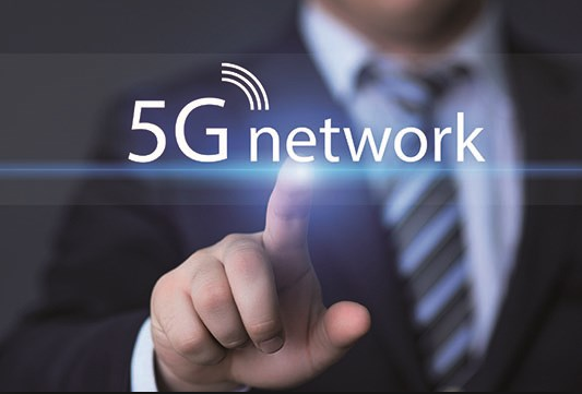 Automotive Applications of Device-to-Device Communication in 5G Networks