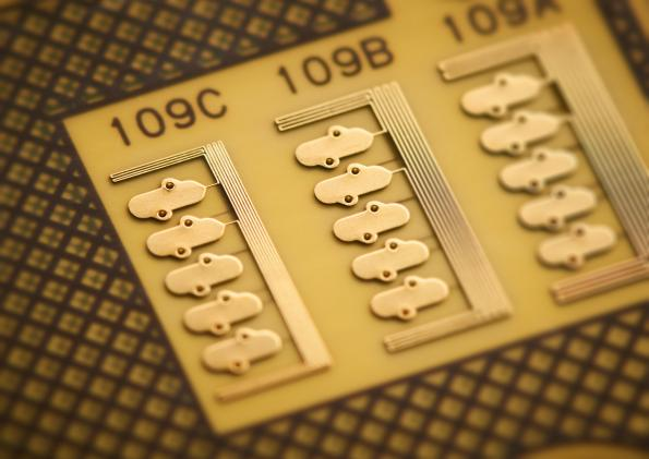 PCB tech for wearables & miniaturized designs: 25micron traces