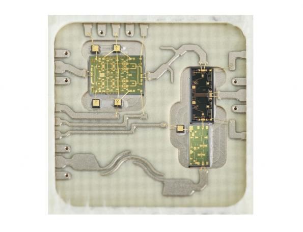 """26 GHz SMT module for European 5G's """"Pioneer Band"""""""
