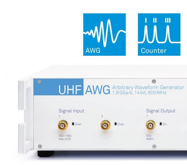 Arbitrary waveform generator and signal acquisition all-in-one