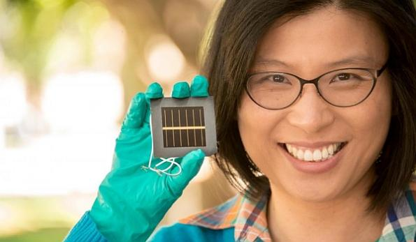Large perovskite solar cell efficiency hits 12%