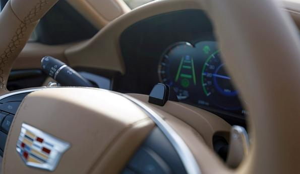 GM demonstrates its hands-free driving technology