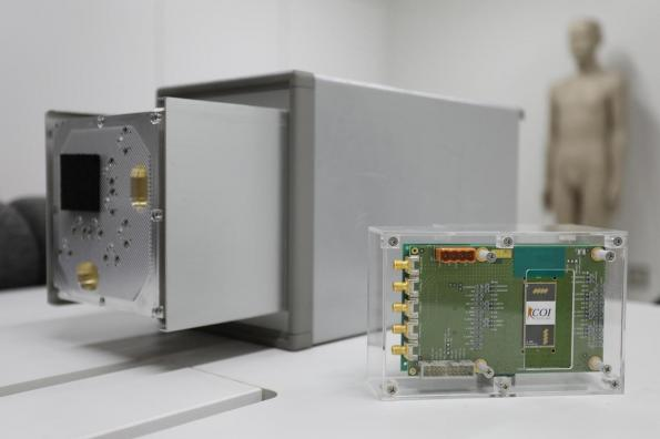 Radar-based device measures body vital signs wirelessly