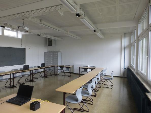 Fraunhofer HHI field tests Li-Fi in German classroom
