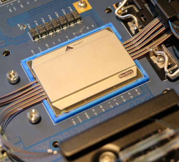 Photonic ASIC directly integrates 100G optical ports