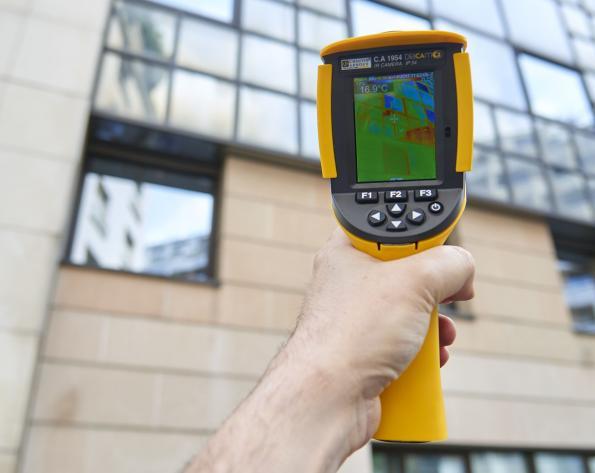 Ergonomic thermal camera with IP54 ingress protection